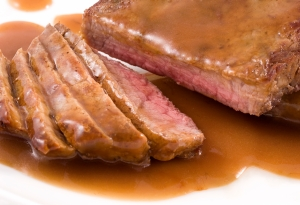 Heart Healthy Monday Recipe: Steak With Wine Sauce